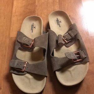 NWOT American Eagle Sandals